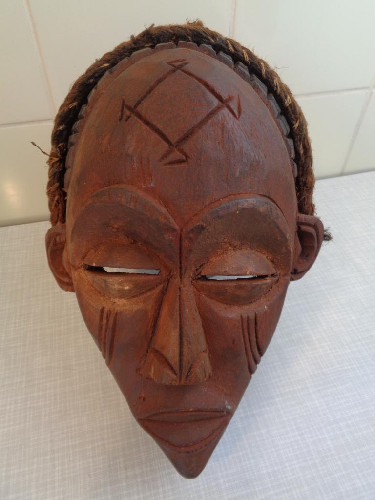 Chokwe masker (Mwano Chihongo)