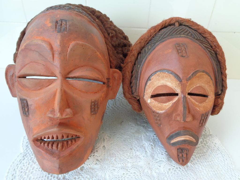 Chokwe, Mwano Chihongo en Mwano Pwo masker, Angola