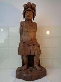 Middeleeuwse sculptuur van een Romeinse soldaat