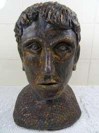 Imponerend aardewerk borstbeeld