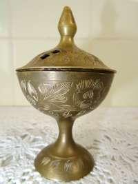 Antiek koperen potje voor wierook uit India