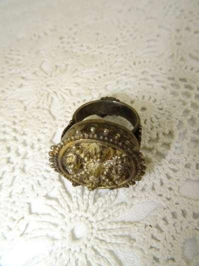 Bodemvondst Byzantijnse ring uit circa 1200