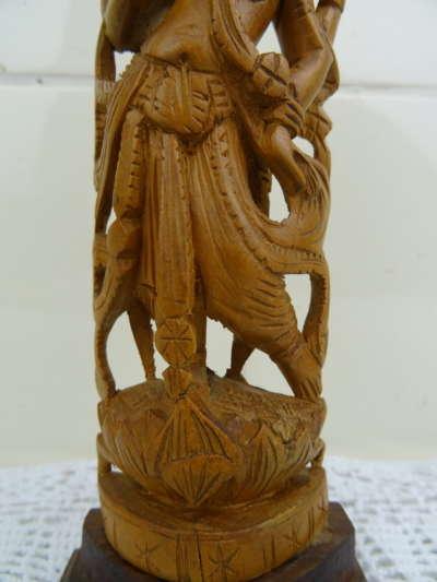 Antiek houten Pervati beeldje