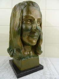 Beeld vrouw Y Smet 1965