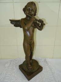 Beeld engel met fluit