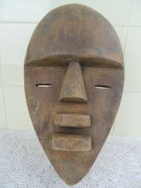 Imposant Afrikaans Salampasu masker