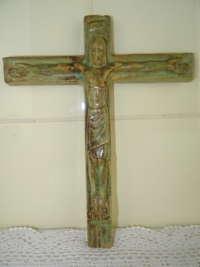 Antiek aardewerk kruisbeeld